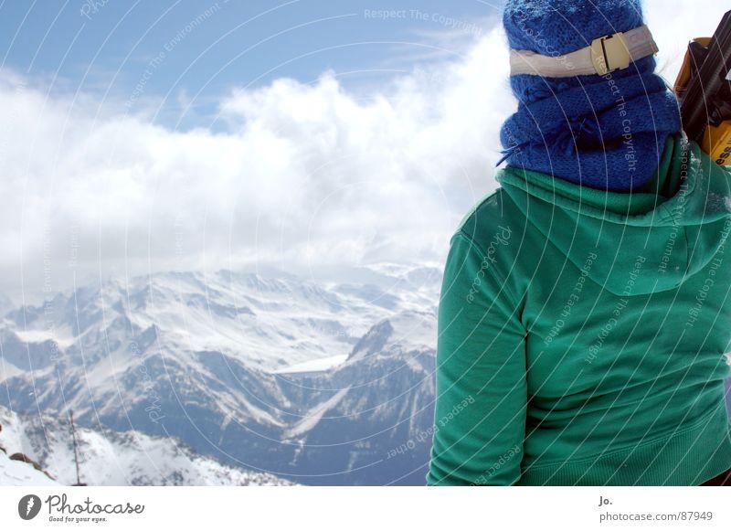 ski bunny Skier France Woman Cap Green Winter sports Les 3 Vallées Mountain