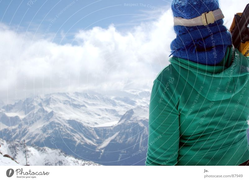 Woman Green Mountain Cap France Winter sports Skier