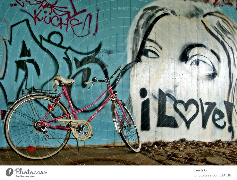 I love babe Pillar Pink Bicycle Driving Vacation & Travel Motorcyclist Motorcycling Cycle path Lean Parking Bicycle rack Love Wall (building) Mural painting