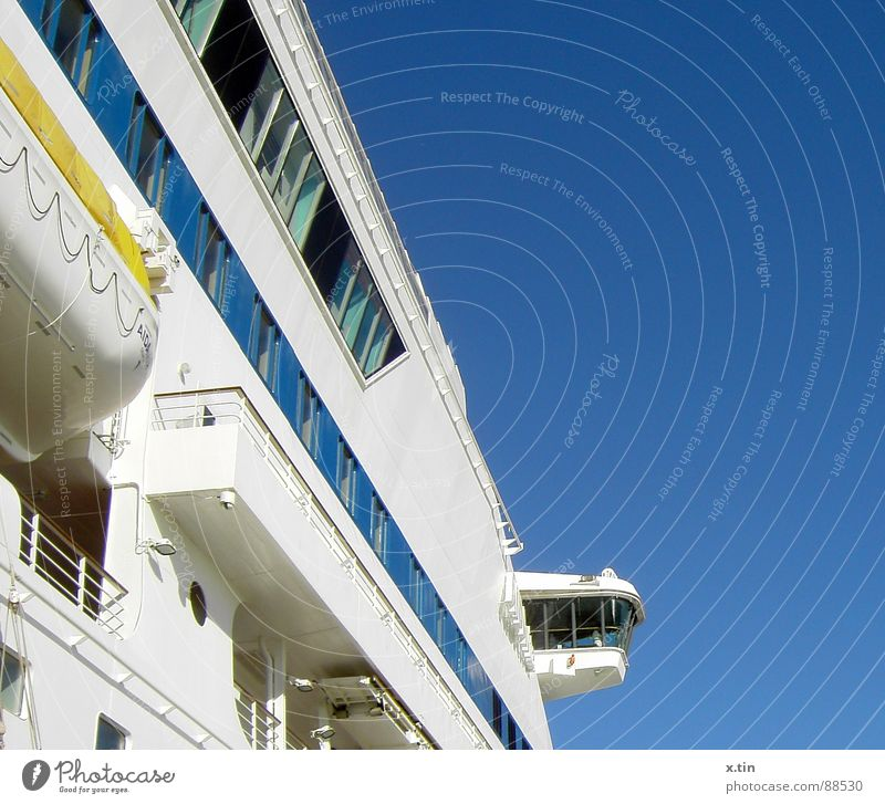 club ship Watercraft Ocean Captain Vacation & Travel Navigation AIDA