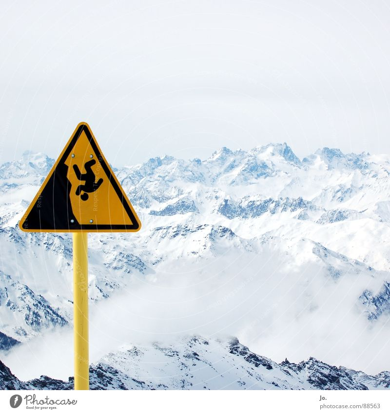 Clouds Mountain Signs and labeling Alps Snowcapped peak Skiing France Warning label Ski resort Downward Steep Bad weather Winter sports Warning sign