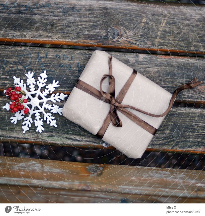 Christmas & Advent Snow Wood Feasts & Celebrations Birthday Gift Packaging Bow Donate Christmas decoration Package Snow crystal Christmas gift Goodness