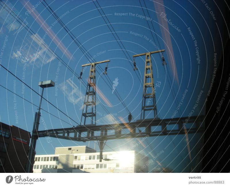 Air draft II Railroad Electricity Window Reflection Town Means of transport Speed Tunnel Industry Electricity pylon