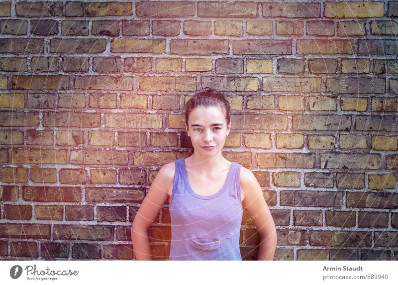 Portrait, Wall Lifestyle Human being Feminine Woman Adults Youth (Young adults) 1 13 - 18 years Child Wall (barrier) Wall (building) Brunette Stand Cool (slang)