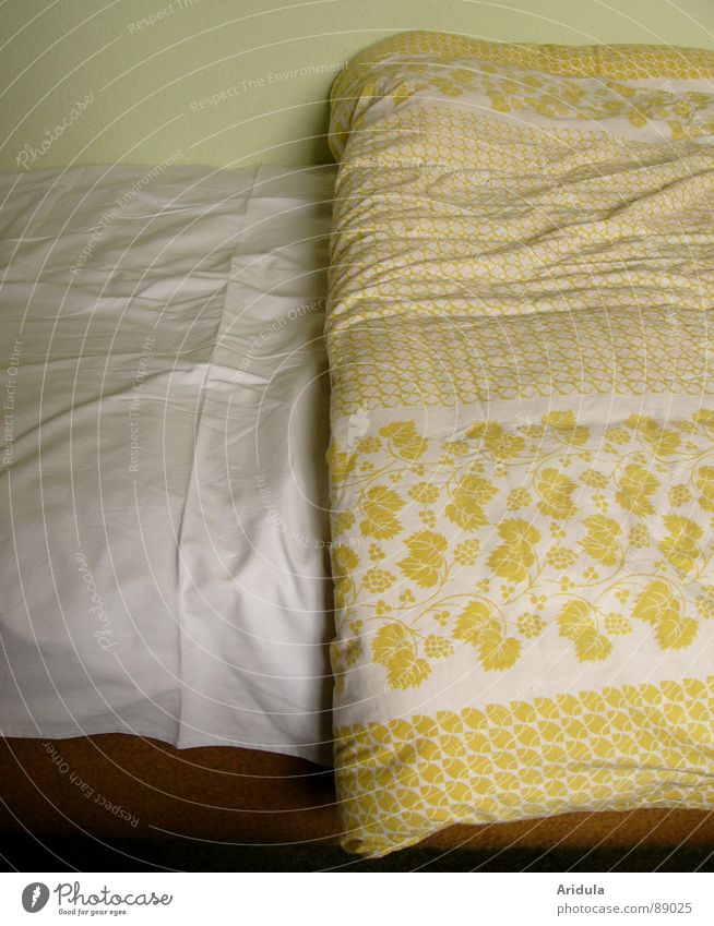 White Green Yellow Cold Cloth Bed Wrinkles Furniture Blanket Section of image Partially visible Duvet Folds
