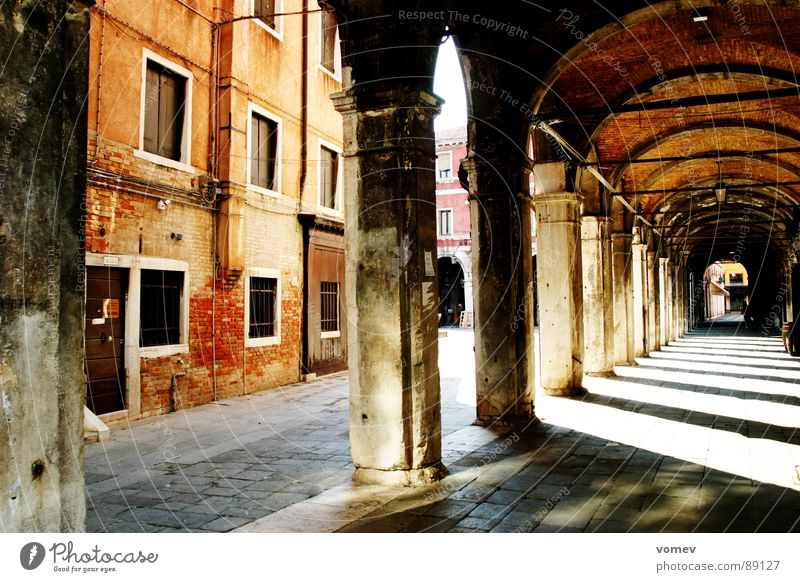 Wall (barrier) Italy Derelict Manmade structures Traffic infrastructure Venice Masonry Arcade