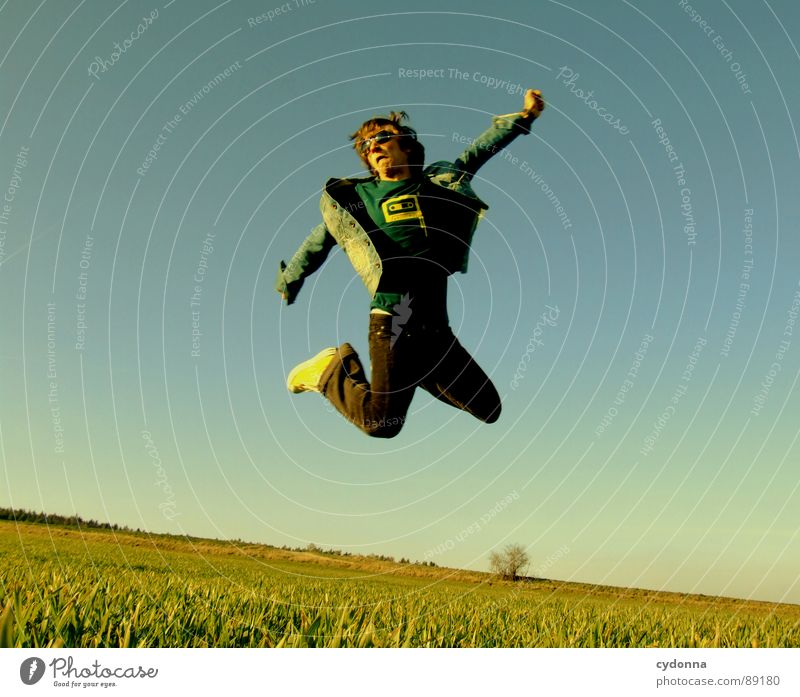 Jump into the field! VI Hop Spring Meadow Grass Green Style Sunset Posture Blade of grass Worm's-eye view Sunbeam Kick Martial arts Man Fellow Field Straddle
