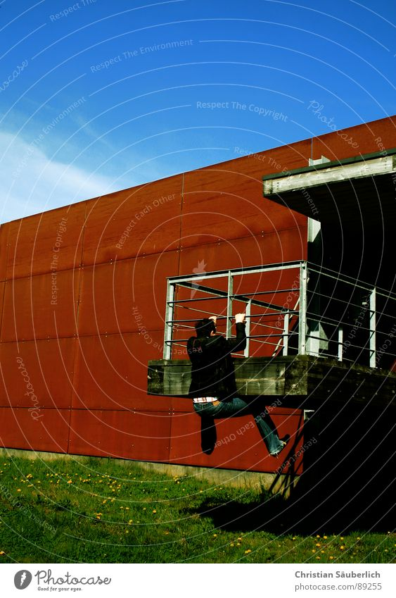 Sky Green Blue Wall (building) Grass Metal Industry Climbing Rust Beautiful weather Criminal Dugout Support