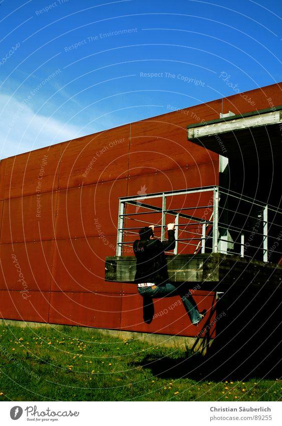 Sky Green Blue Wall (building) Grass Metal Industry Climbing Rust Beautiful weather Criminal Dugout Support
