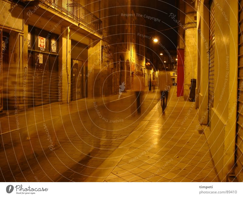 Bordeaux at night Night Time Alley Narrow Movement Yellow Lantern Lamp Illuminate Lighting Dark Long exposure France Traffic infrastructure Target bordaux Blur