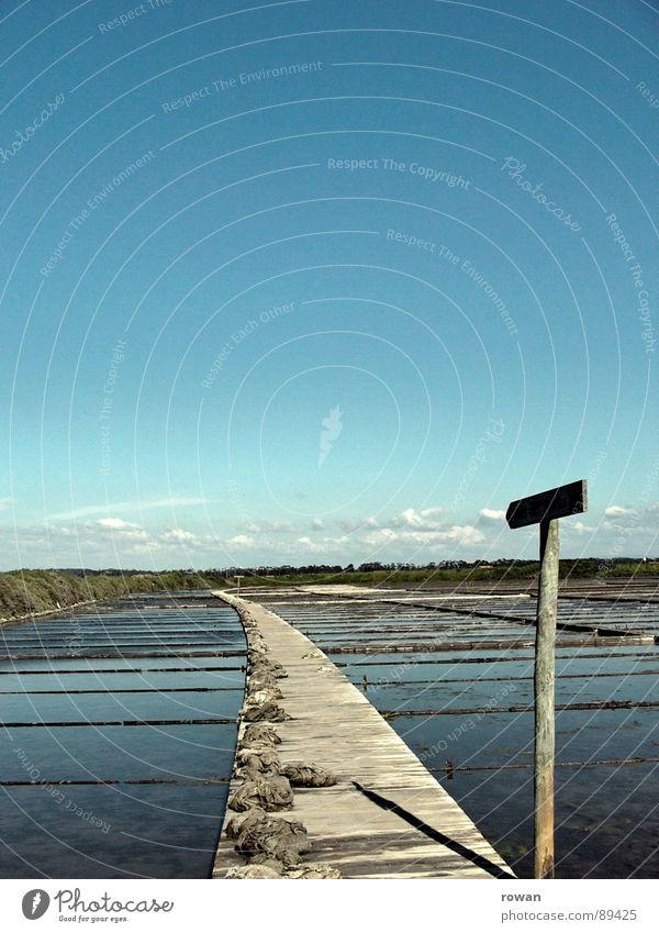 Water Ocean Wood Lanes & trails Signs and labeling Arrow Direction Division Signage Footbridge Curve Come Grid Basin Orientation Salt