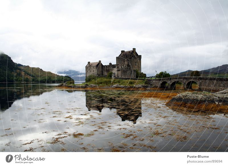 Eilean Donan Eilean Donan castle Scotland Highlander Great Britain Lake Highlands Monument Set Loch Duich Historic Art Culture Might arboria Castle Mountain