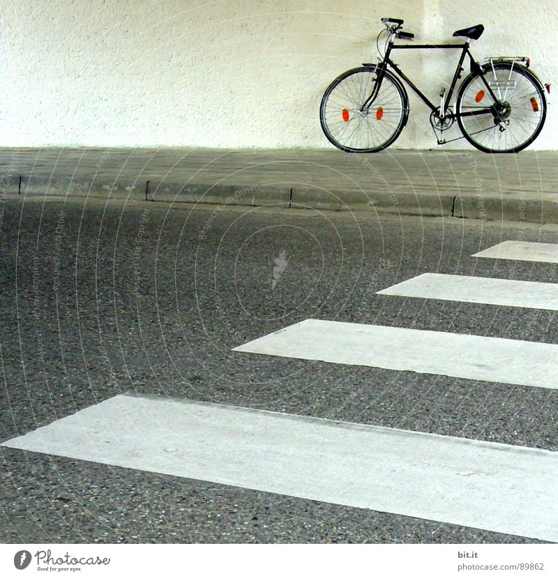 STAND IN THE WAY... Bicycle Driving Zebra crossing Break Hold To hold on Relaxation Pedestrian Cycle path Sidewalk Racing cycle Motorcyclist Mountain bike