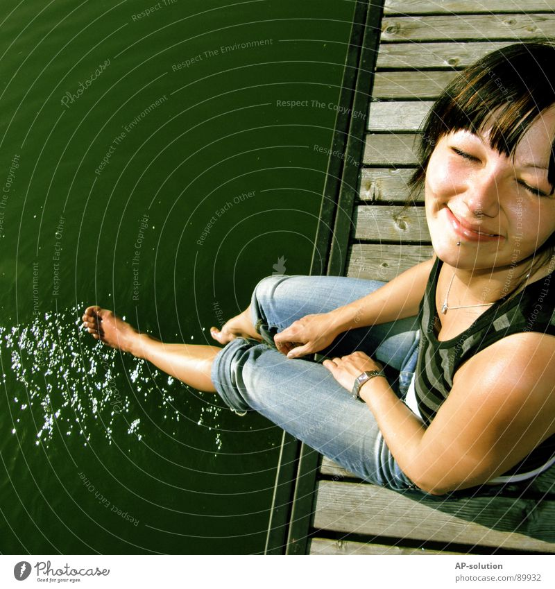 Woman Youth (Young adults) Water Girl Sun Green Blue Summer Joy Vacation & Travel Emotions Style Spring Happy Feet Lake