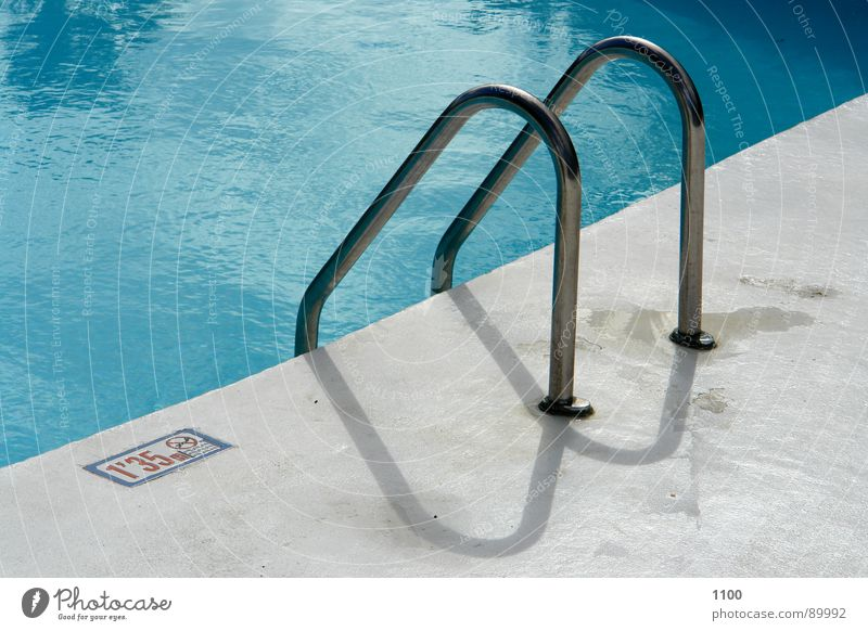 pool access Swimming pool Water Light blue Pool ladder Edge Wet Summer Physics Vacation & Travel Smoothness Detail Basin Blue Handrail Warmth