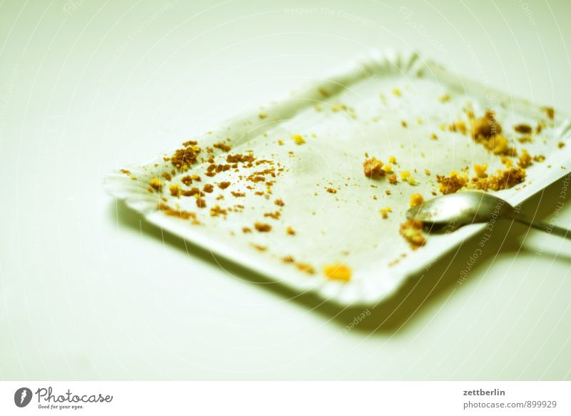 cakes Cake Crumbs Pastry fork Dessert Sunday Cardboard Paper cup Remainder Healthy Eating Dish Food photograph Nutrition Sugar Baker Bakery shop Trash