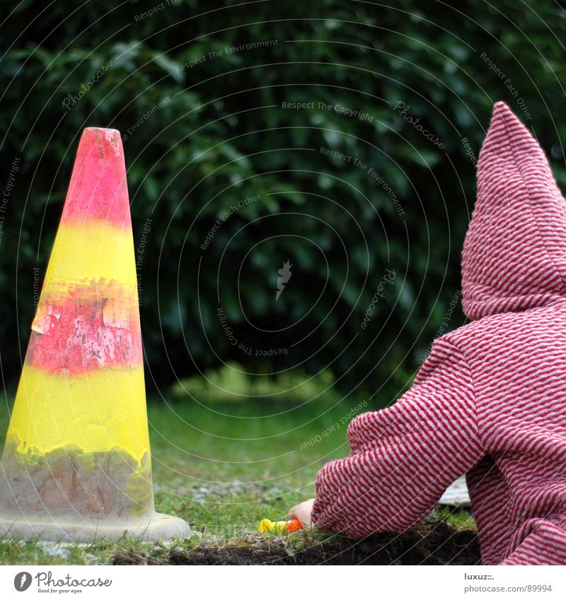 peak Construction site Dwarf Santa Claus hat Hooded (clothing) Hat Striped 2 Goblin Gnome Small Barrier Closed Road construction Dangerous Traffic cone