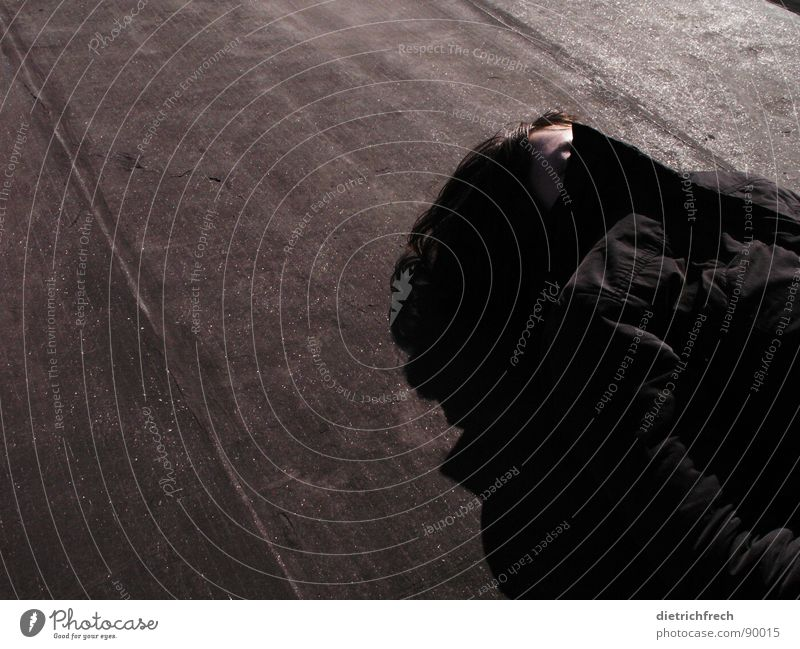 Woman Black Dark Gray Bright Lie Perspective Stripe Roof Wrinkles Concentrate Jacket Pallid Sweater Partially visible Triangle