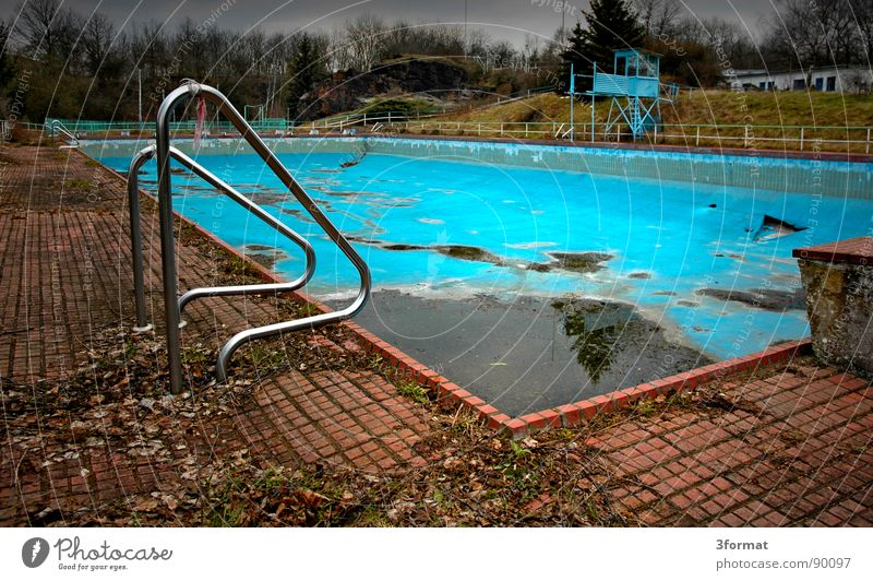 Old Summer Loneliness Cold Autumn Sports Playing Sadness Dream Fear Leisure and hobbies Empty Gloomy Grief Bathroom Swimming pool