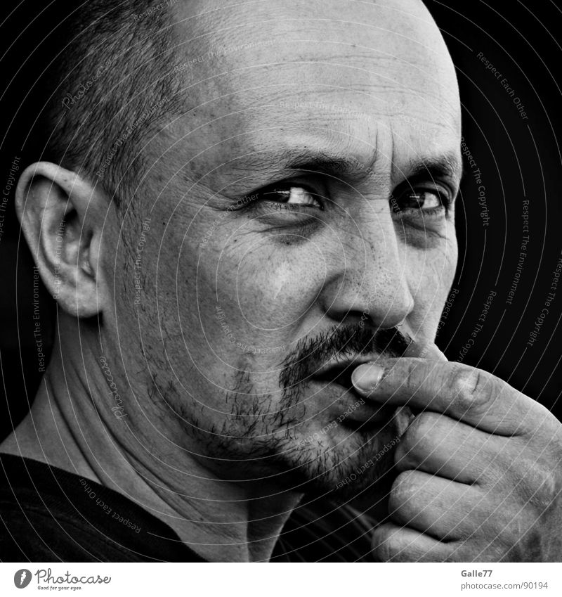 Levent Portrait photograph Man Nutrition Skeptical Inattentive Intensive Hypnotic Black White Human being Head Face Looking Contact think thought Think Ask