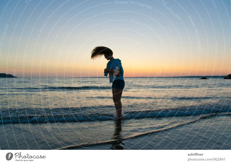 tailwind Human being Girl Young woman Youth (Young adults) Hair and hairstyles 1 8 - 13 years Child Infancy Dark Shake Ocean Coast Beach Waves Sunset