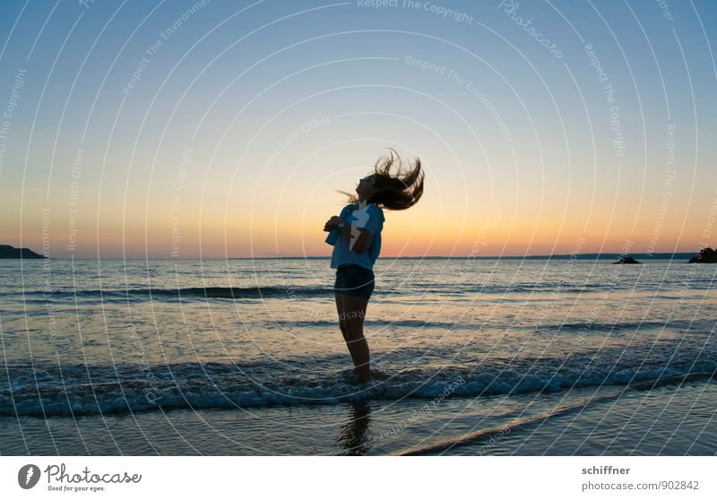 headwind Human being Girl Young woman Youth (Young adults) Hair and hairstyles 1 8 - 13 years Child Infancy Dark Shake Ocean Coast Beach Waves Sunset