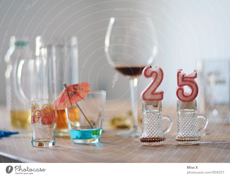 18 - 30 years Emotions Feasts & Celebrations Moody Party Lifestyle Decoration Glass Birthday Beverage Digits and numbers Candle Drinking Wine Beer Bar