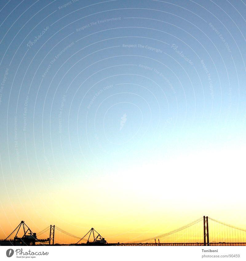 O céu de Lisboa Lisbon Suspension bridge Silhouette Portugal Bridge Harbour Sky Evening April 25th Empty