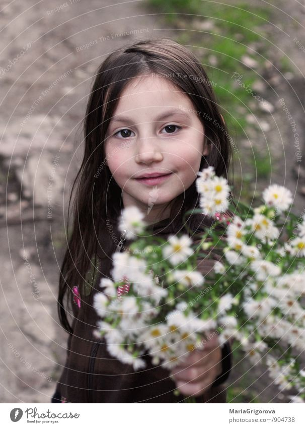 Autumn Lifestyle Garden Human being Child Girl Head Hair and hairstyles Face Eyes Hand 1 3 - 8 years Infancy Nature Landscape Animal Earth Grass Blossom