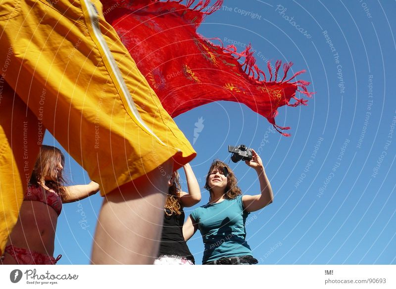 delighted colors Summer Physics Multicoloured Versatile Action Woman Movement Red Yellow Leisure and hobbies Relaxation Vacation & Travel Friendship