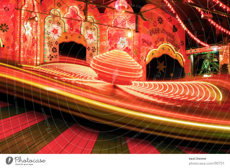 carousel Long exposure Oktoberfest Fairs & Carnivals Lamp Black Red Rotate Bumper car Speed Leisure and hobbies Romance Scream Joy Traffic light Light Music