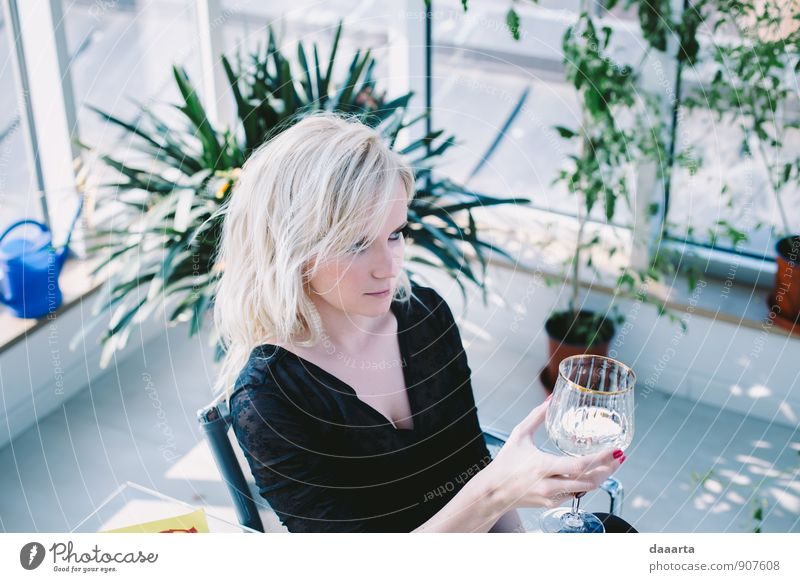flirty at thirty 2 Human being Joy Eroticism Adults Warmth Emotions Feminine Style Feasts & Celebrations Moody Leisure and hobbies Lifestyle Wild Elegant Blonde