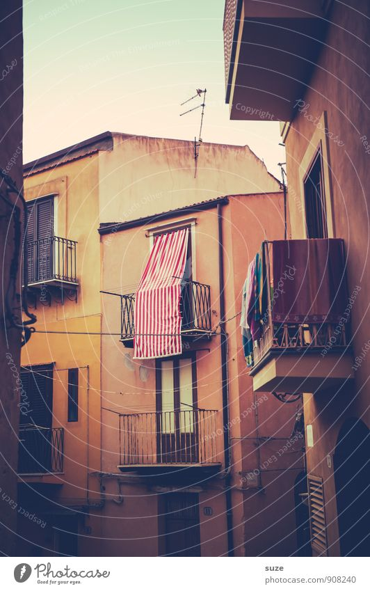 Floor | Lost of prospects Vacation & Travel Tourism City trip Living or residing House (Residential Structure) Small Town Old town Architecture Facade Balcony