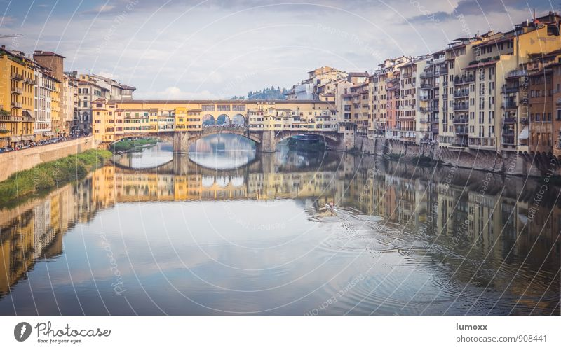 ponte vecchio Water River bank Florence Italy Europe Downtown House (Residential Structure) Bridge Tourist Attraction Ponte Vecchio Old Authentic Famousness