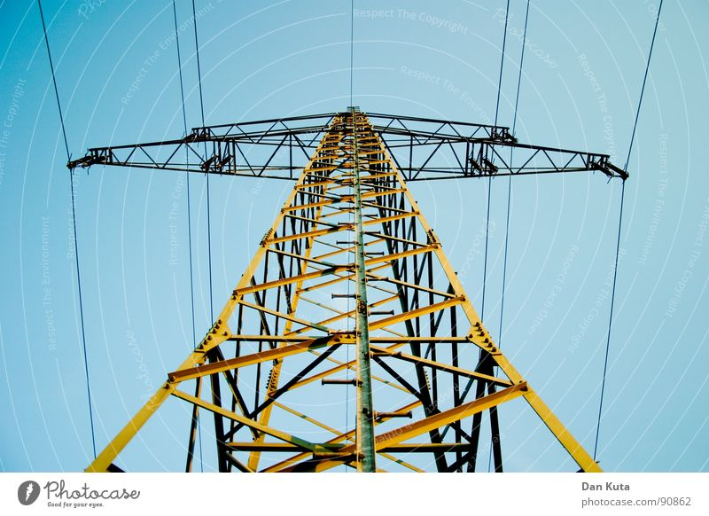 Sky Blue Electricity Open Thin Radiation Manmade structures Electricity pylon Noble Wire Transmission lines Graceful Honest Exciting Eiffel Tower