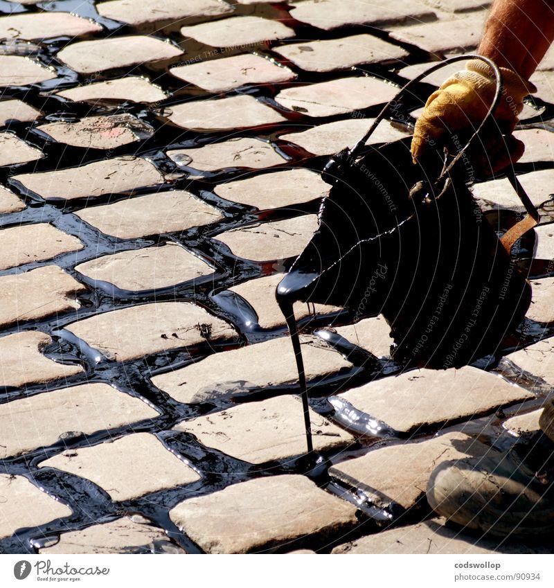 Street Rain Concentrate Craft (trade) Cobblestones Tar Bucket Fill Dexterity Road construction