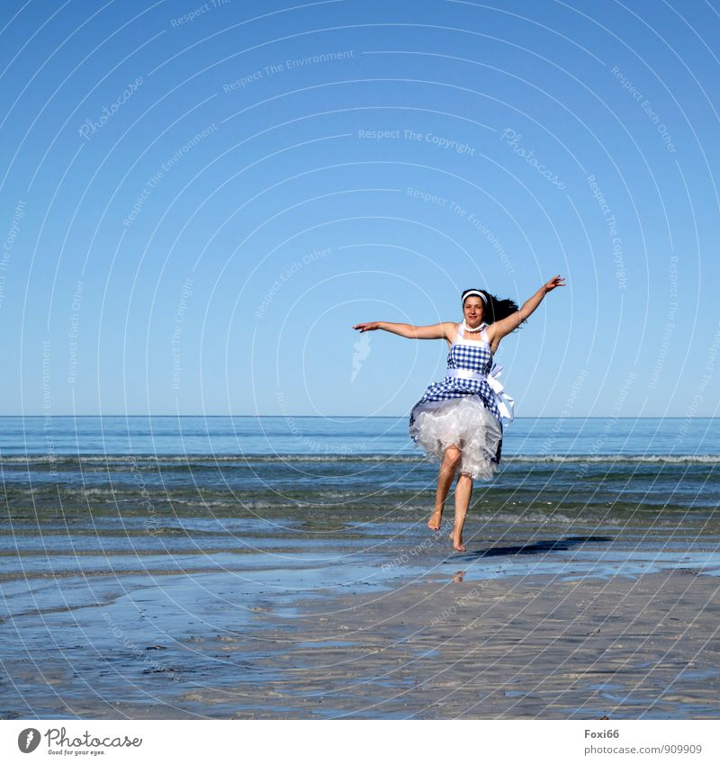 Well-being oasis / summer sun..... Life Harmonious Sun Ocean Dance Feminine Woman Adults 1 Human being 45 - 60 years Sky only Summer Beautiful weather Waves