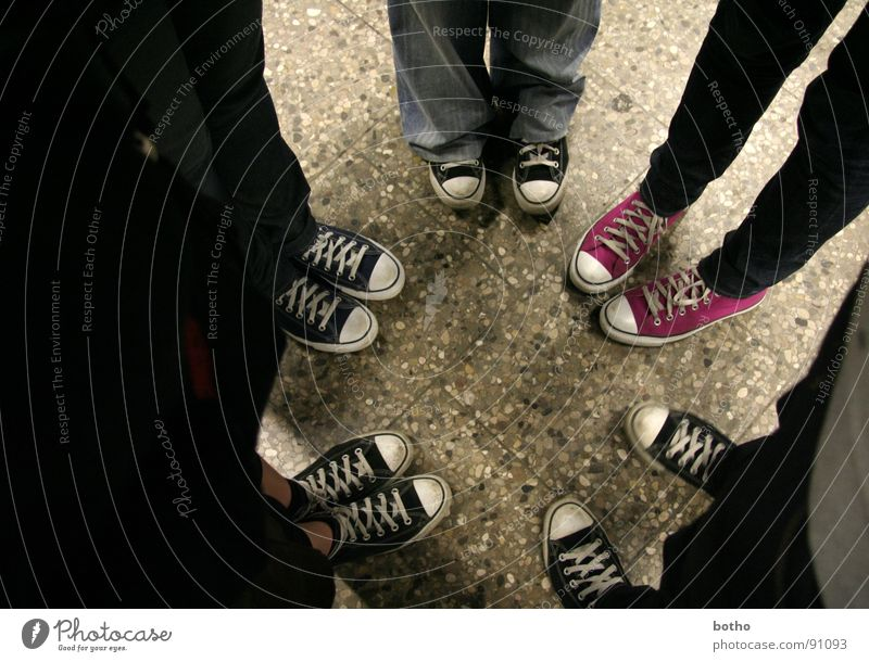 Odd one out / peer pressure Harmonious Well-being Roulette Trip Event Human being Androgynous Youth (Young adults) Legs Feet 5 Group 13 - 18 years 18 - 30 years