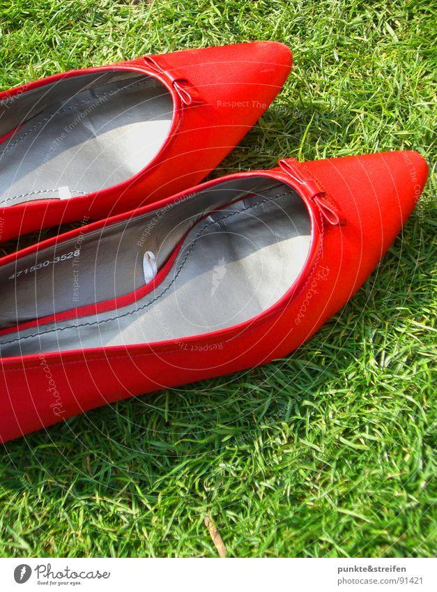 Green Red Summer Meadow Grass Happy Footwear Dance