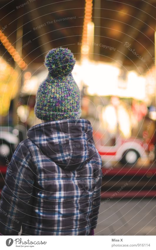 Human being Child Christmas & Advent Winter Emotions Playing Feasts & Celebrations Moody Leisure and hobbies Infancy Wait Longing Cap Toddler Fairs & Carnivals