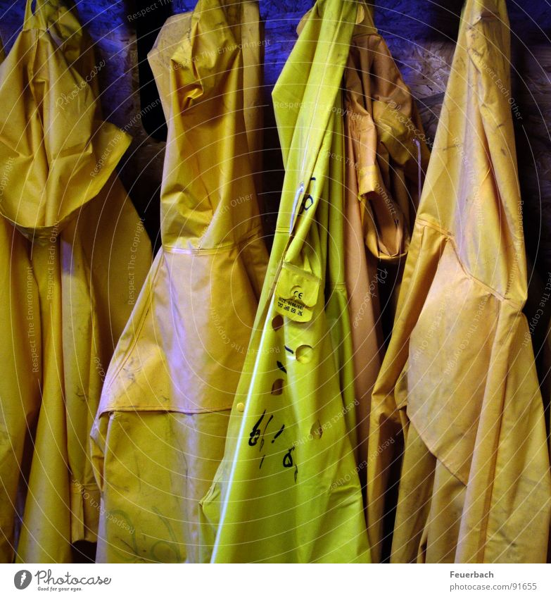 Water Yellow Work and employment Rain Weather Clothing Industry Construction site Rain wear Working man The Ruhr Rubber Mining Unemployment Miner Shaft