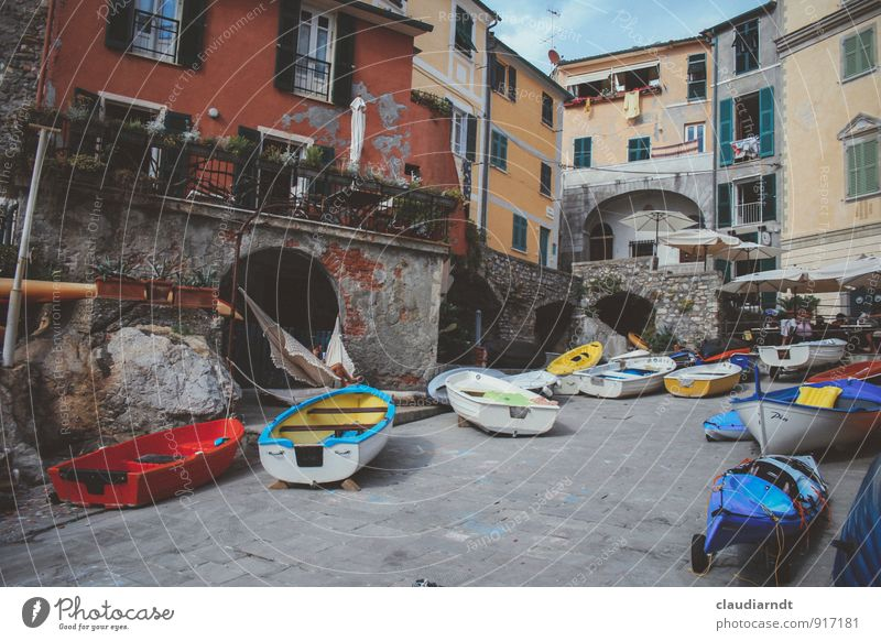 mooring Tellaro Italy Europe Village House (Residential Structure) Places Building Facade Boating trip Fishing boat Motorboat Rowboat Watercraft Canoe
