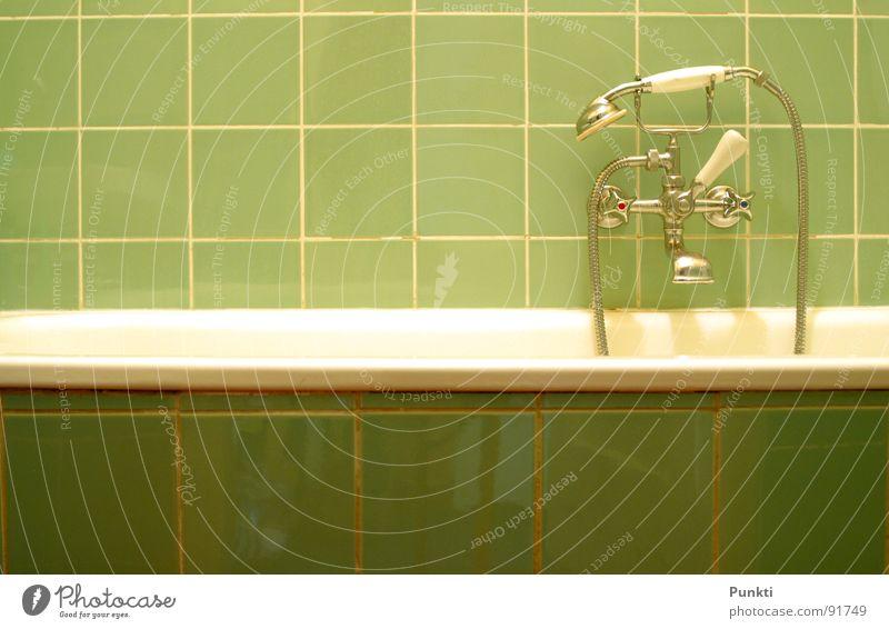Old Water Green Retro Bathroom Bathtub Tile Shower head