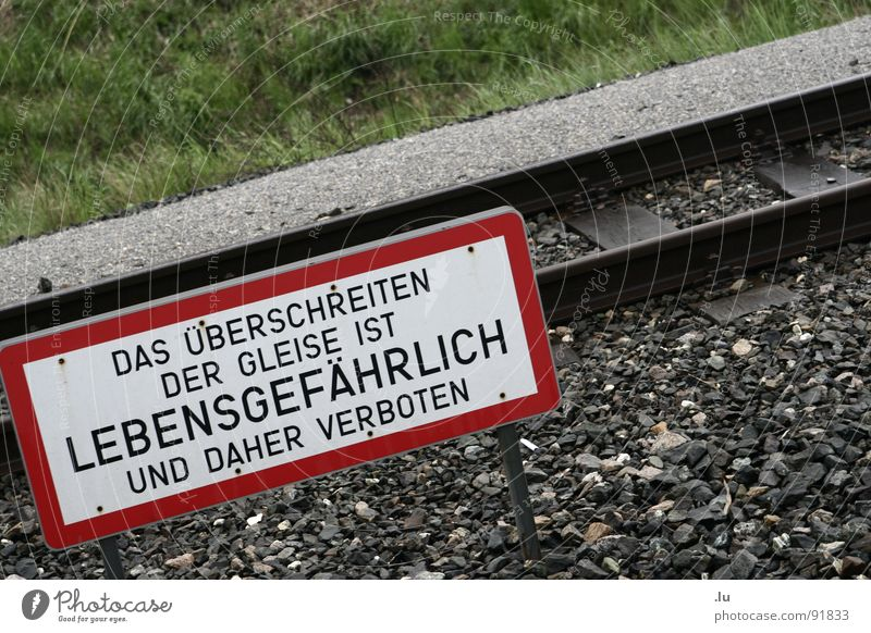 Death Signs and labeling Transport Dangerous Threat Railroad tracks Bans Warning label Vienna Traverse Warning sign Exceed