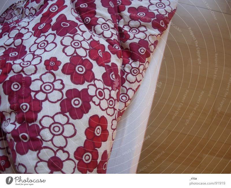 White Flower Red Wood Dream Sleep Bed Soft Floor covering Fatigue Furniture Blanket Cuddly Bedroom Duvet Wake up