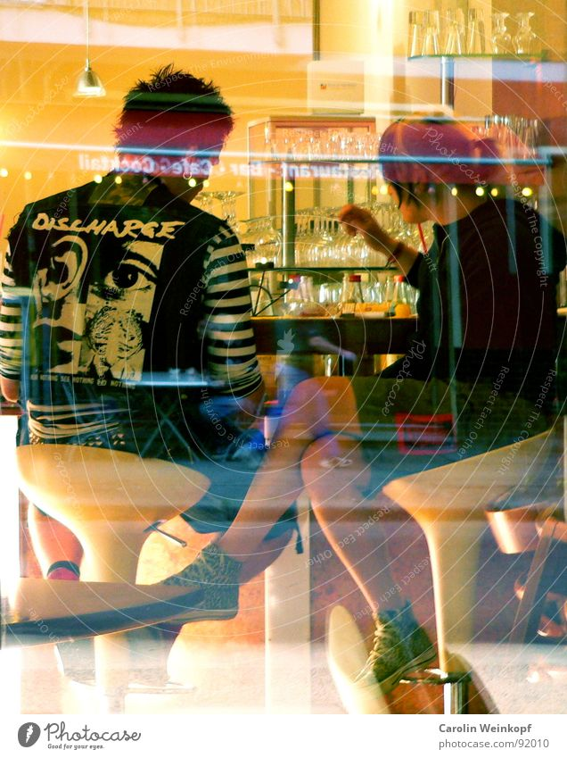 Wrong world!? Politics and state Punk Pink Window Pane Gastronomy Bar Café Stool Glass To talk Cozy Ragged Argument Racket May 1 2007 Woman Man Break Left