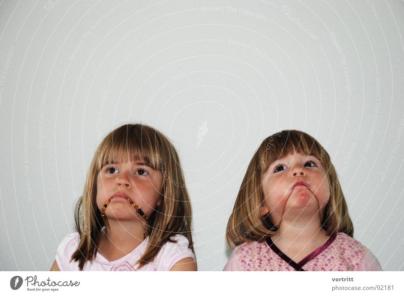 Child Girl Joy Face Eyes Wall (building) Playing Mouth Funny Posture Toddler Chain Portrait photograph