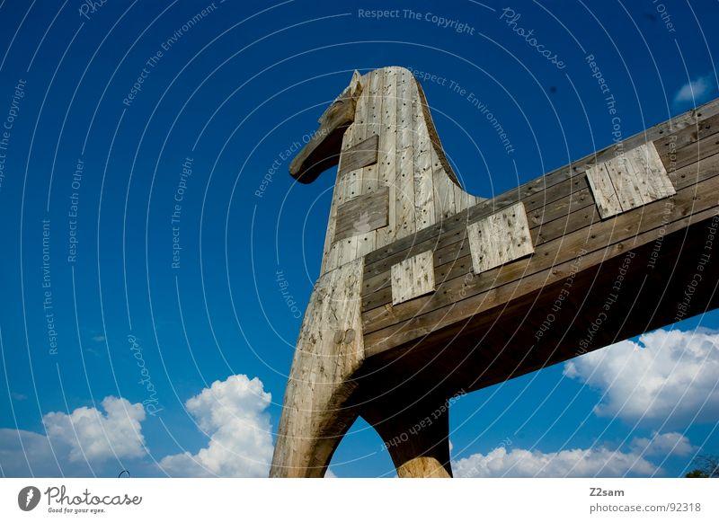 Trojan horse Clouds White Animal Wood Wood flour Greek War Things more trojan trojan horse Sky Blue Past trojan war was Hiding place