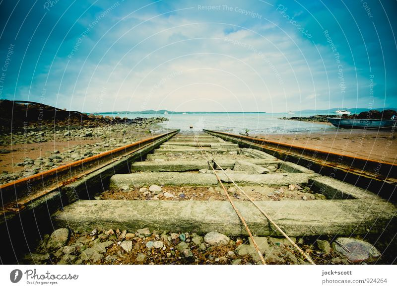 Slipway Thursday Far-off places Horizon Pacific Ocean Pacific beach Island Jetty Railroad tracks Rope Rust Free Long Maritime Moody Freedom Idyll Logistics