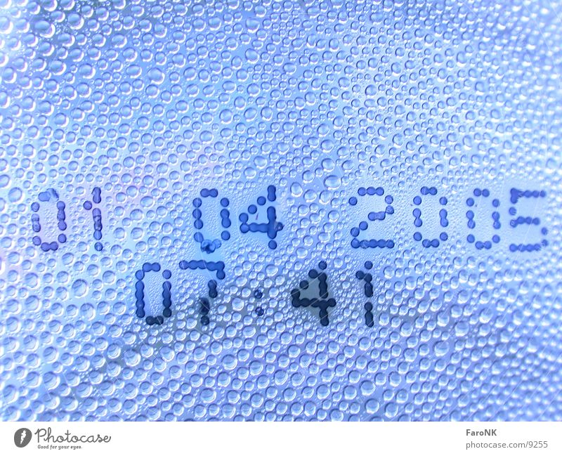 Day X Digits and numbers Macro (Extreme close-up) Close-up Drops of water pet Time Date